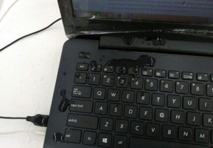 Laptop Terkena Air